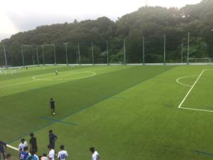 新しく完成した人工芝のグラウンド