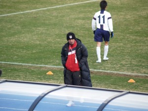 野洲のサッカーを支えた岩谷コーチ、今シーズンで退任する