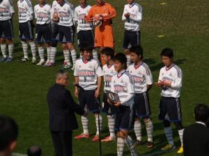 昨年優勝した横浜FMユースの選手たち